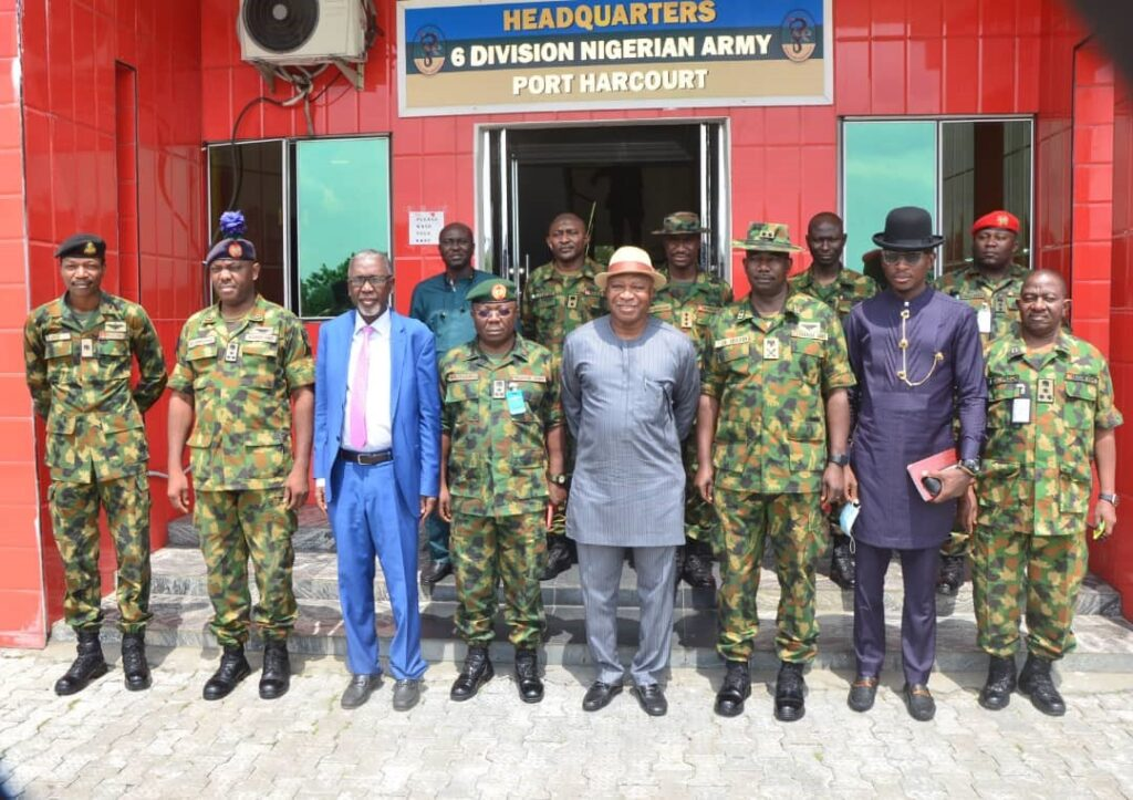 Group photograph with Gen. Irefin, GOC 6 Div., his Staff Officers and a delegation of the Administrator.